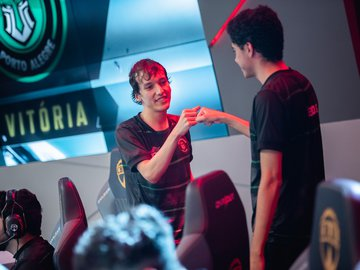 Redemption vence KaBuM e se garante nos playoffs