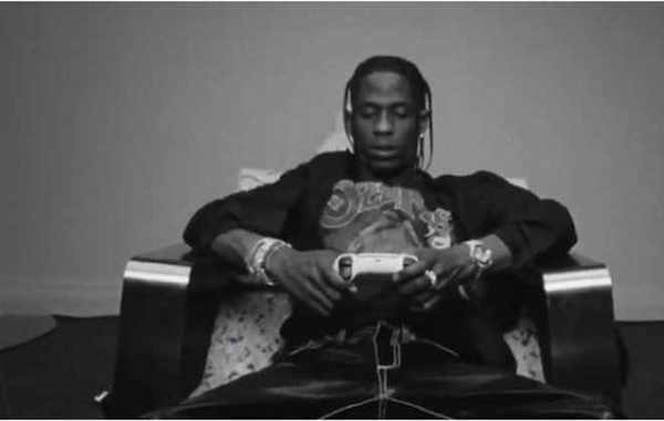 Travis Scott anuncia parceria com a marca Sony PlayStation